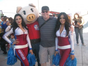 El Florido girls and mascot